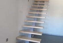 lonibois-escaliers-66-limon-central-moderne-sur-mesure (1)