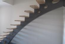 lonibois-escaliers-66-limon-central-moderne-sur-mesure (3)
